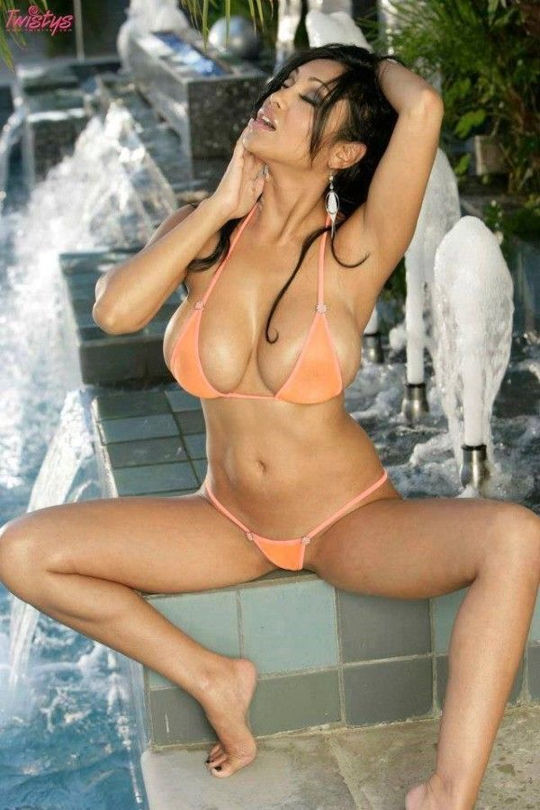 shower-asian-thong-bikini-photos