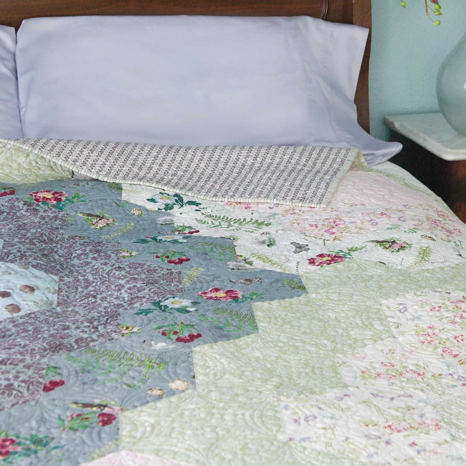 NATURE'S HARMONY Big hexies lap quilt pattern Designed by JOANIE ... : harmony quilt pattern - Adamdwight.com
