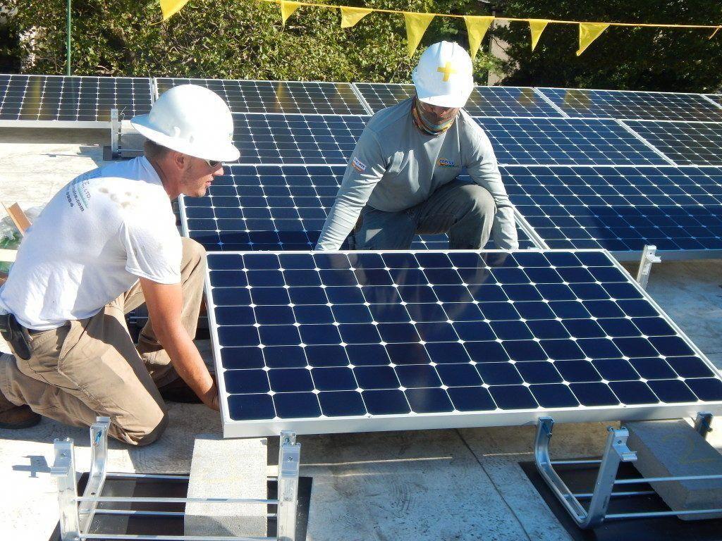 Highly Trained Solar Panel Team Premier Solar Solutions In 2020 Solar Technology Solar Installation Solar Panels