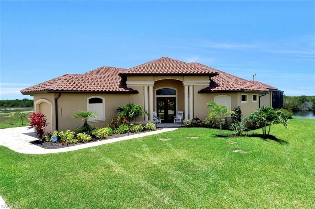 4638 Nw 32nd St Cape Coral Fl 33993 Mls 218040714 Zillow Florida Cottage Cape Coral Real Estate Real Estate
