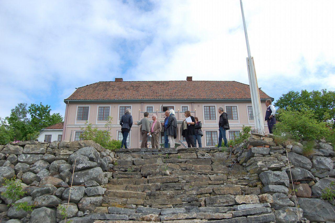 Hovelsrud Gård, Helgøya
