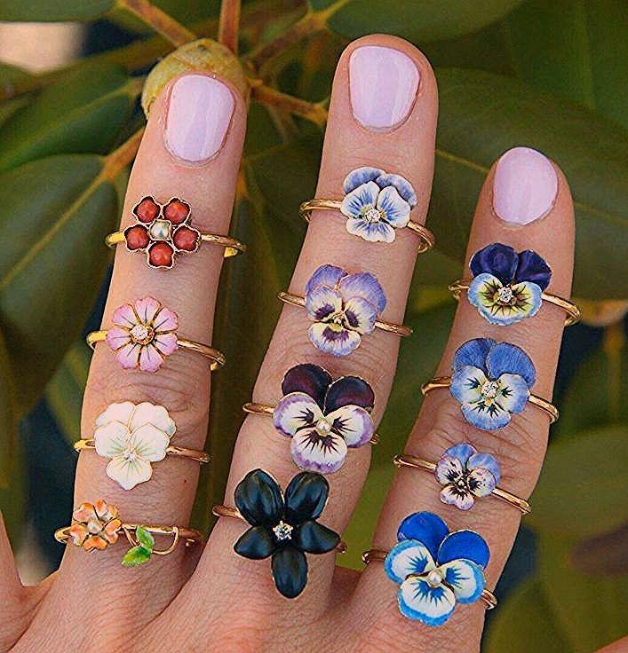 64 Schöne Jewerly Ideen für Frauen #jewelrydesigns #beautyfuljewelrys #beautyf...,  #beautifu...