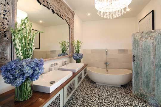 Umah di Desa II! ali, Indonesia | Balinese bathroom ...