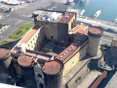 Apertura Straordinaria del Museo Civico Castel Nuovo  #ndm14 #ndm14italia #napoli