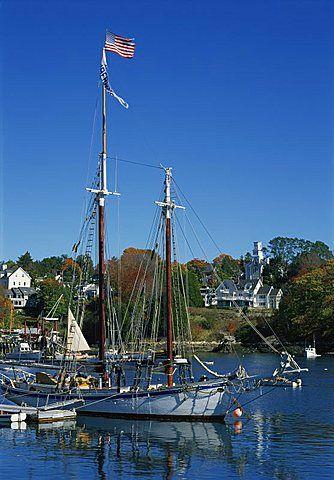 Barco tradicional  amarrado en el puerto de Rockport, Maine, Nueva Inglaterra, Estados Unidos de América, América del Norte