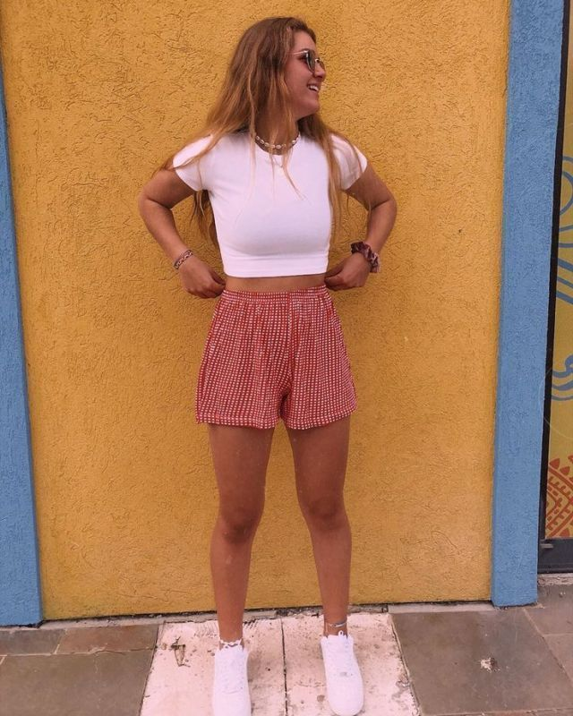 Photo of Sommer outfits med basistykker # sommeroutfits2019 Sommer outfits #denimshorts …