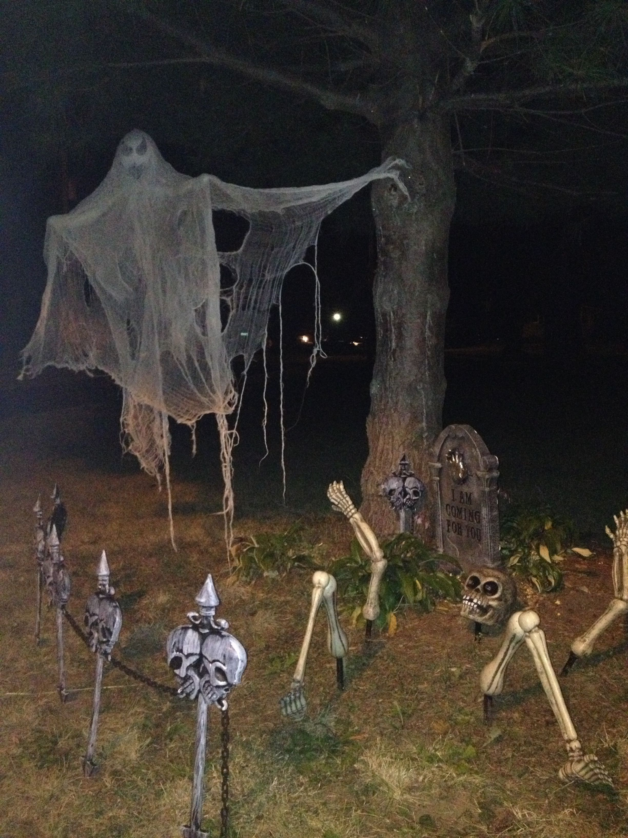 Halloween decor Halloween Pinterest Halloween ideas, Holidays - Halloween Graveyard Decorations