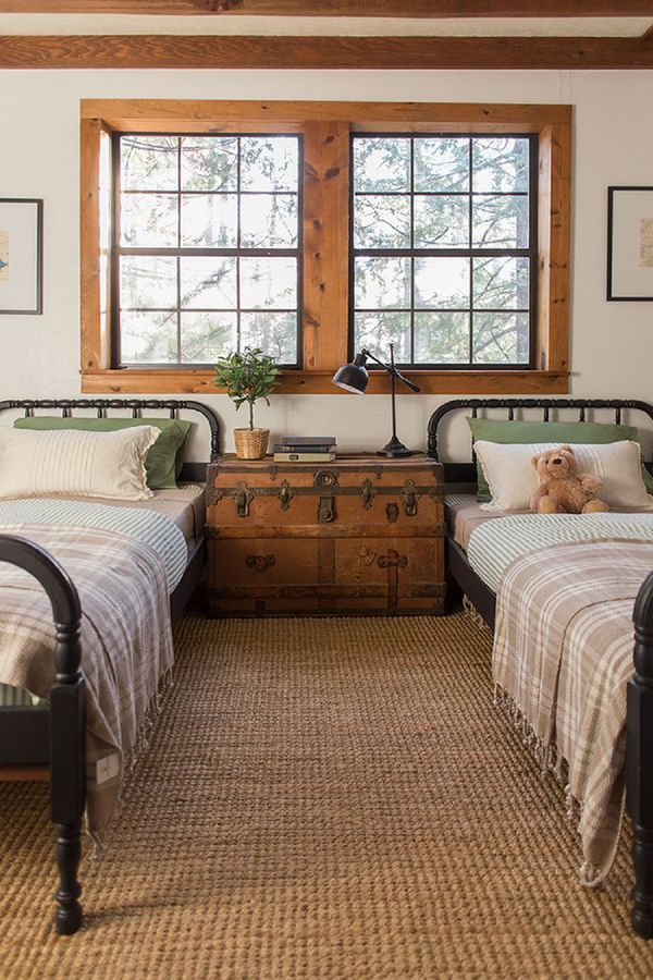 Shared childrenu0027s farmhouse bedroom country decor kids