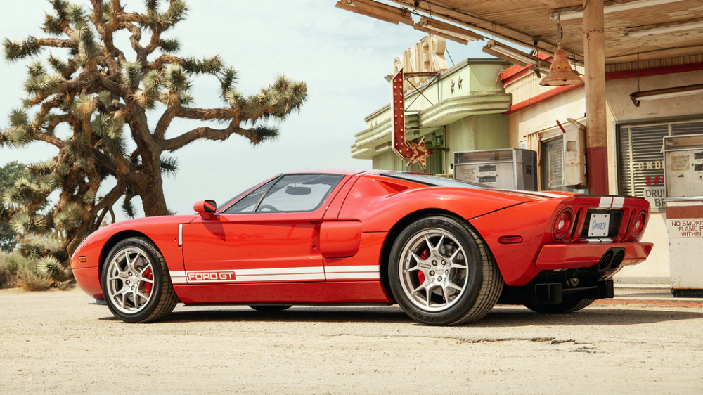 Win A Rare 2005 Ford Gt And 20 000 Ford Gt Ford Ford Gt40