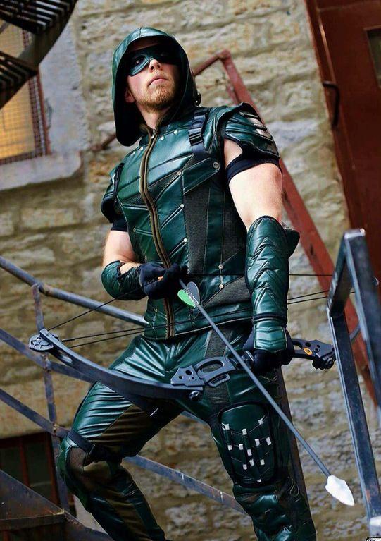 Green Arrow Cosplay  5c66398cb