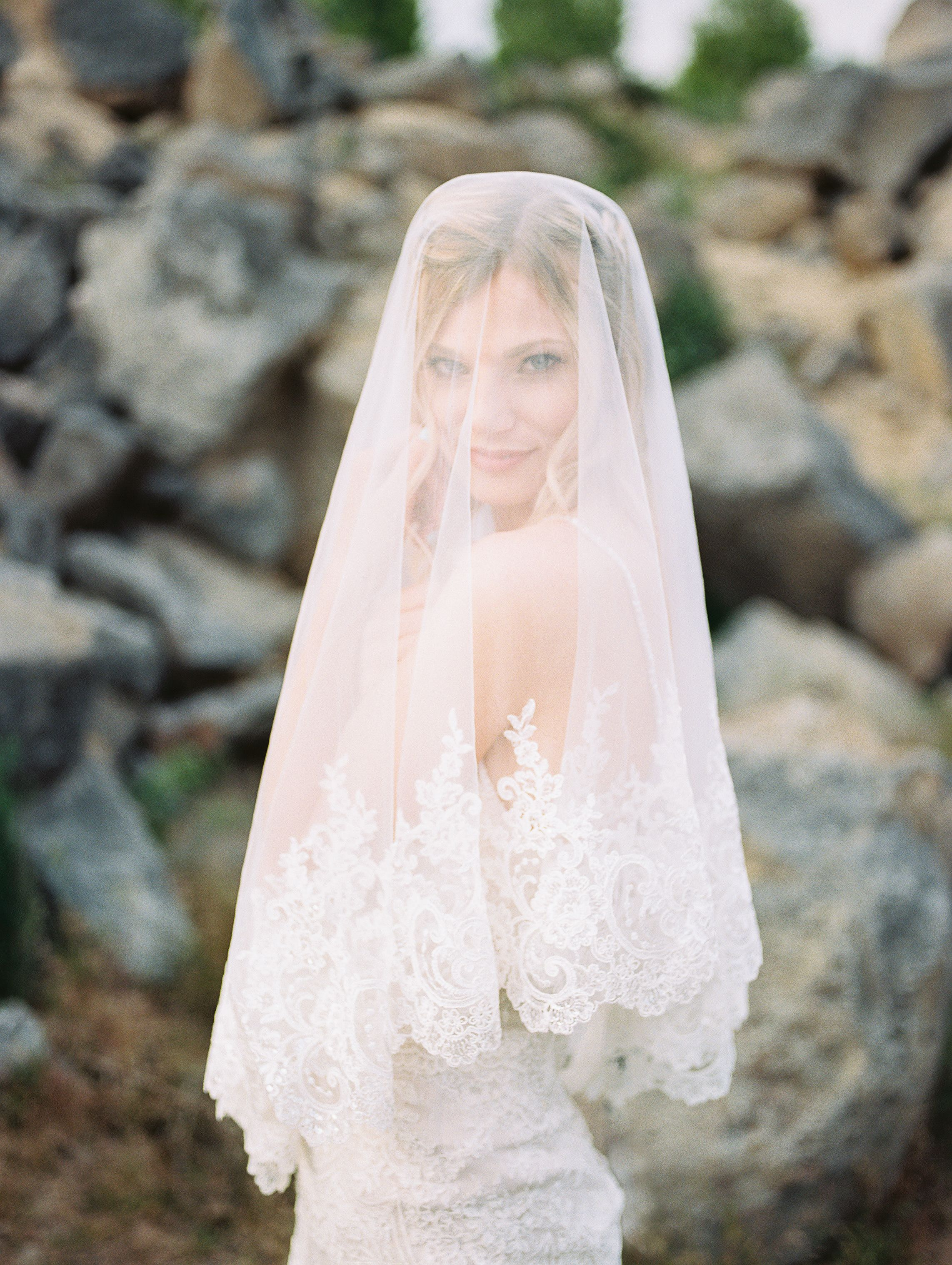 Poppy Bouquet Weddings Gowns And Veils Pinterest Wedding Gowns