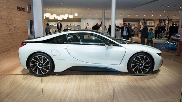 Production BMW i8 finally unveiled Bmw, Bmw i8, Classy cars