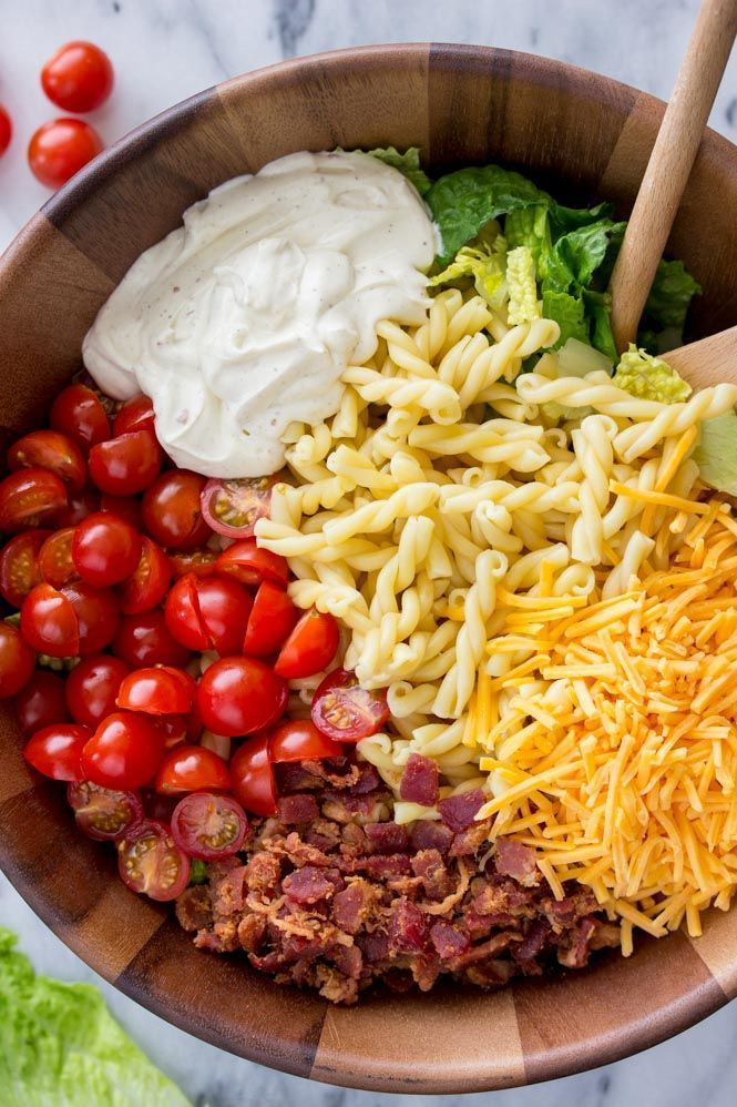 15 Minute BLT Pasta Salad ~ Easy 15 Minute Dinner is part of Easy pasta salad -  This is my go to salad now   I can't believe how delicious this is! It's even better than a BLT sandwich!  Super easy 15 minute dinner of BLT (bacon, lettuce, tomato) pasta salad