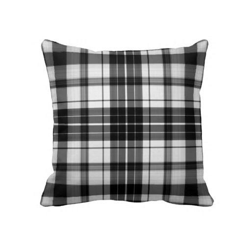 Travesseiro decorativo preto da xadrez