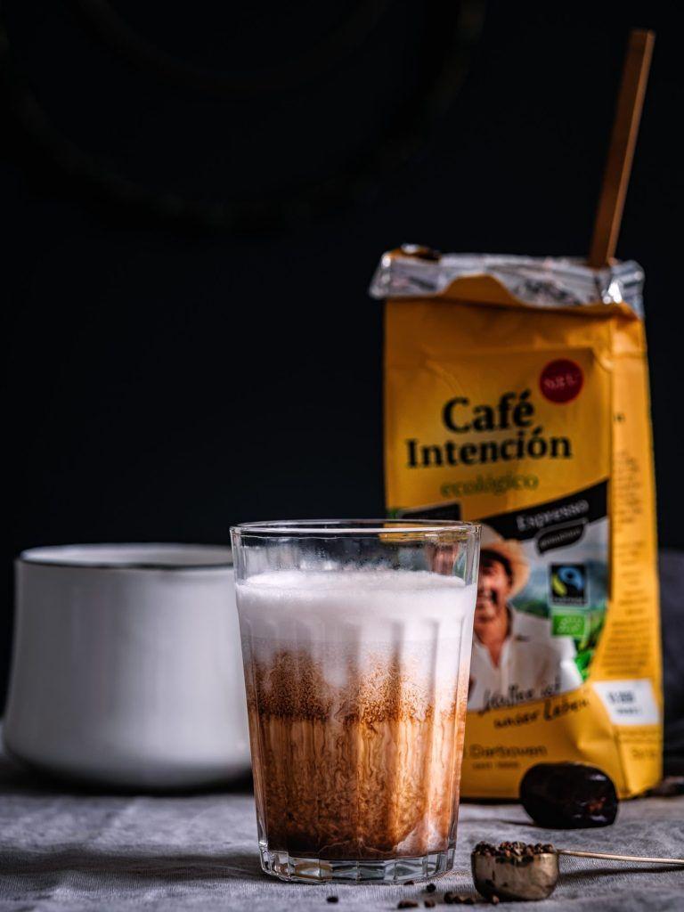 Latte Macchiato Rezept mit Datteln und Gewürzen #lattemacchiato