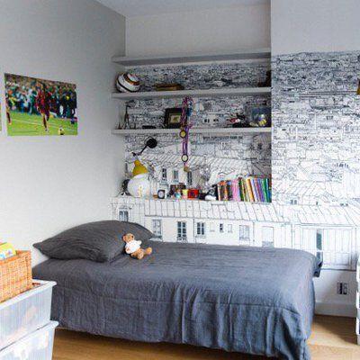 Nouveau départ pour un appartement parisien Room