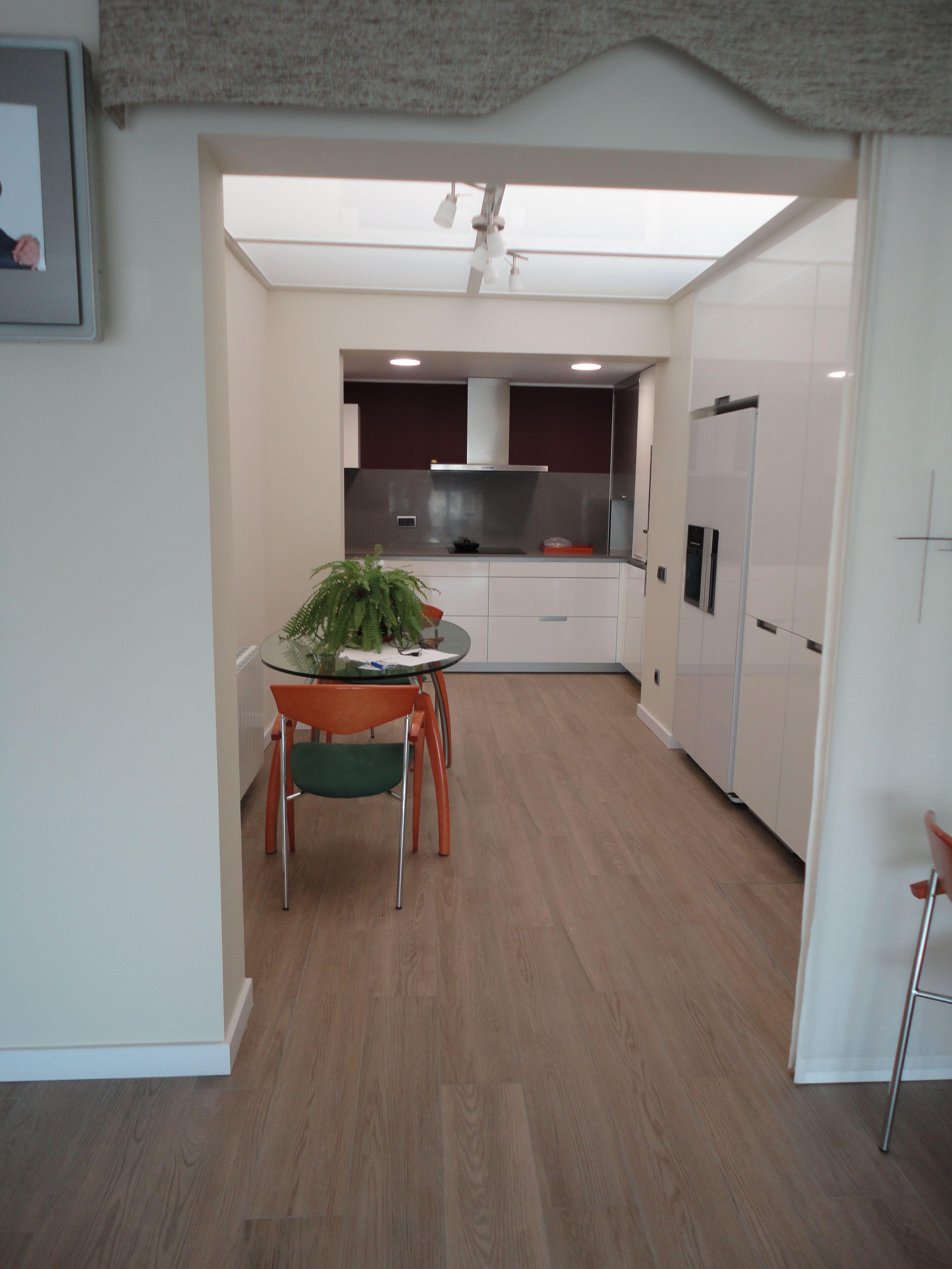 Renova Interiors Reforma Vivienda Completa M Jm Integraci N De  ~ Suelo Porcelanico Imitacion Madera Cocina