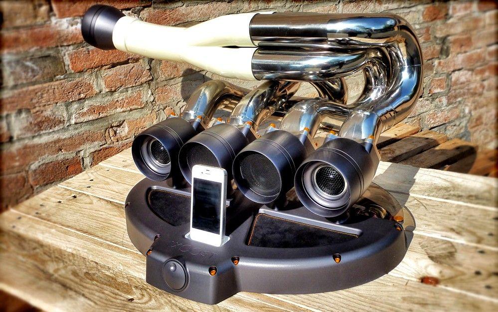 Doca para iPhone em forma de motor de carro possui até subwoofers