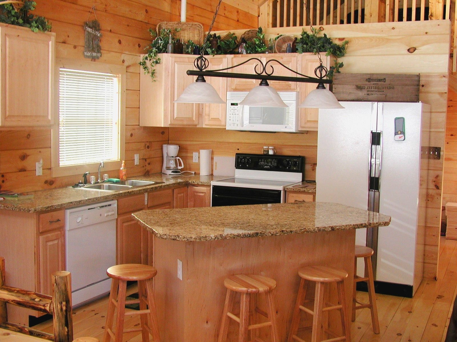 Center Islands For Small Kitchens