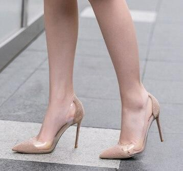 Really pleases bare women in high heels