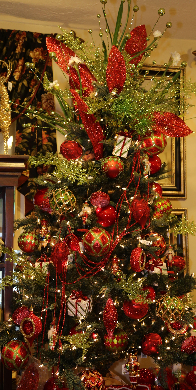 Christmas Tree At Heritage Design Interiors Christmas Beautiful Christmas Trees Christmas Tree Decorations