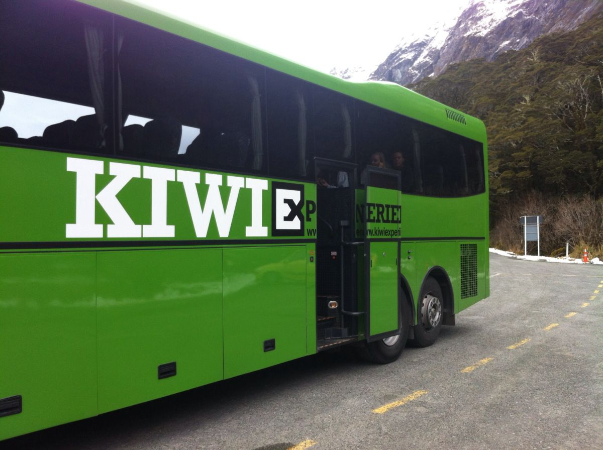 #INeedAKiwiExperience Win a once in a lifetime trip to New Zealand  I worked with Kiwi Experience when I was away this autumn and they contacted me again this week to ask me about a new competitio...