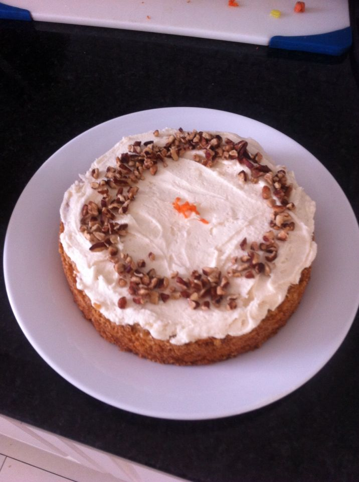 Tiny but delicious carrot cake for 2