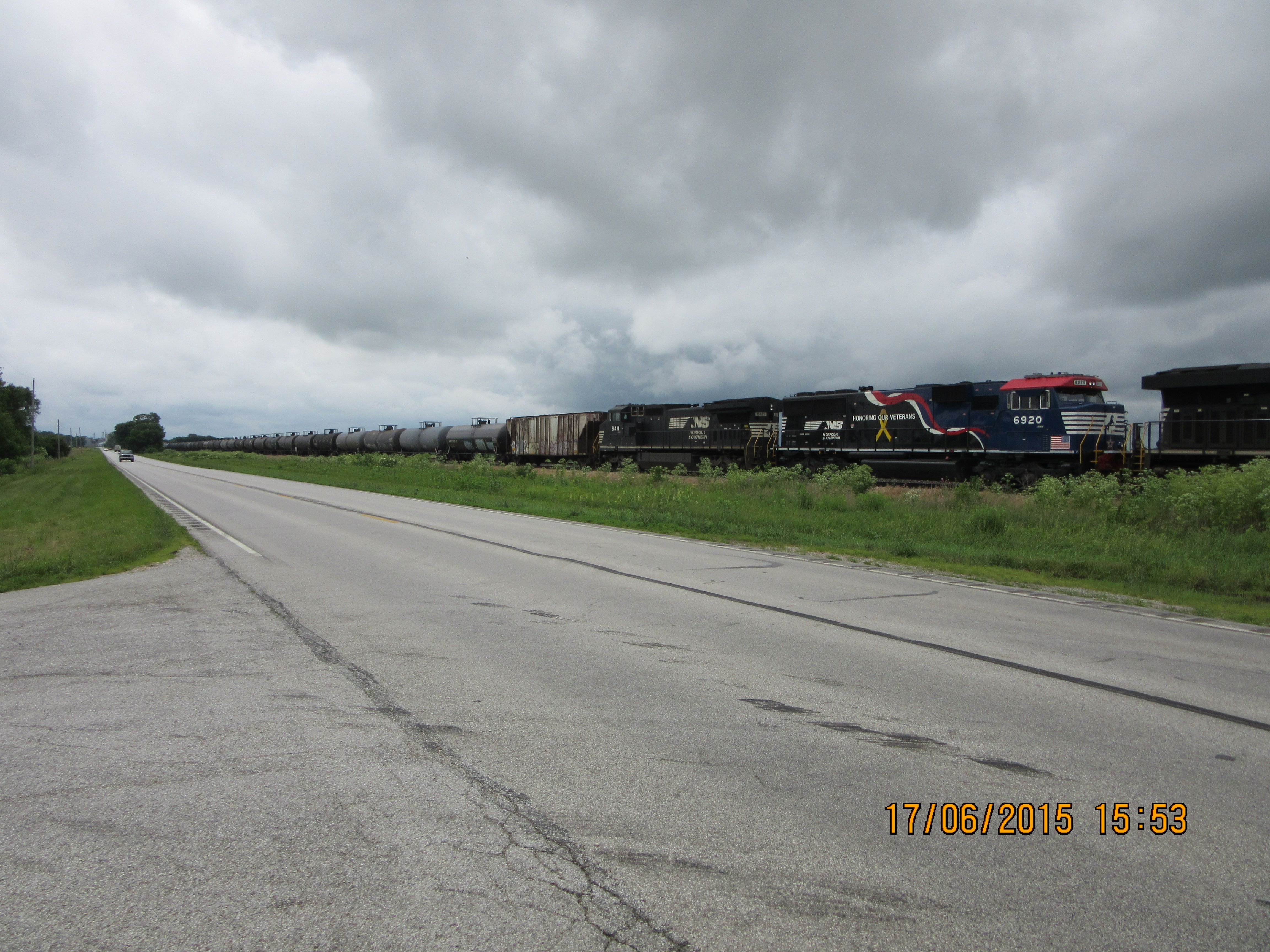 Norfolk Southern  SD60E 6920 & 8411 D8-40CW lead freight train