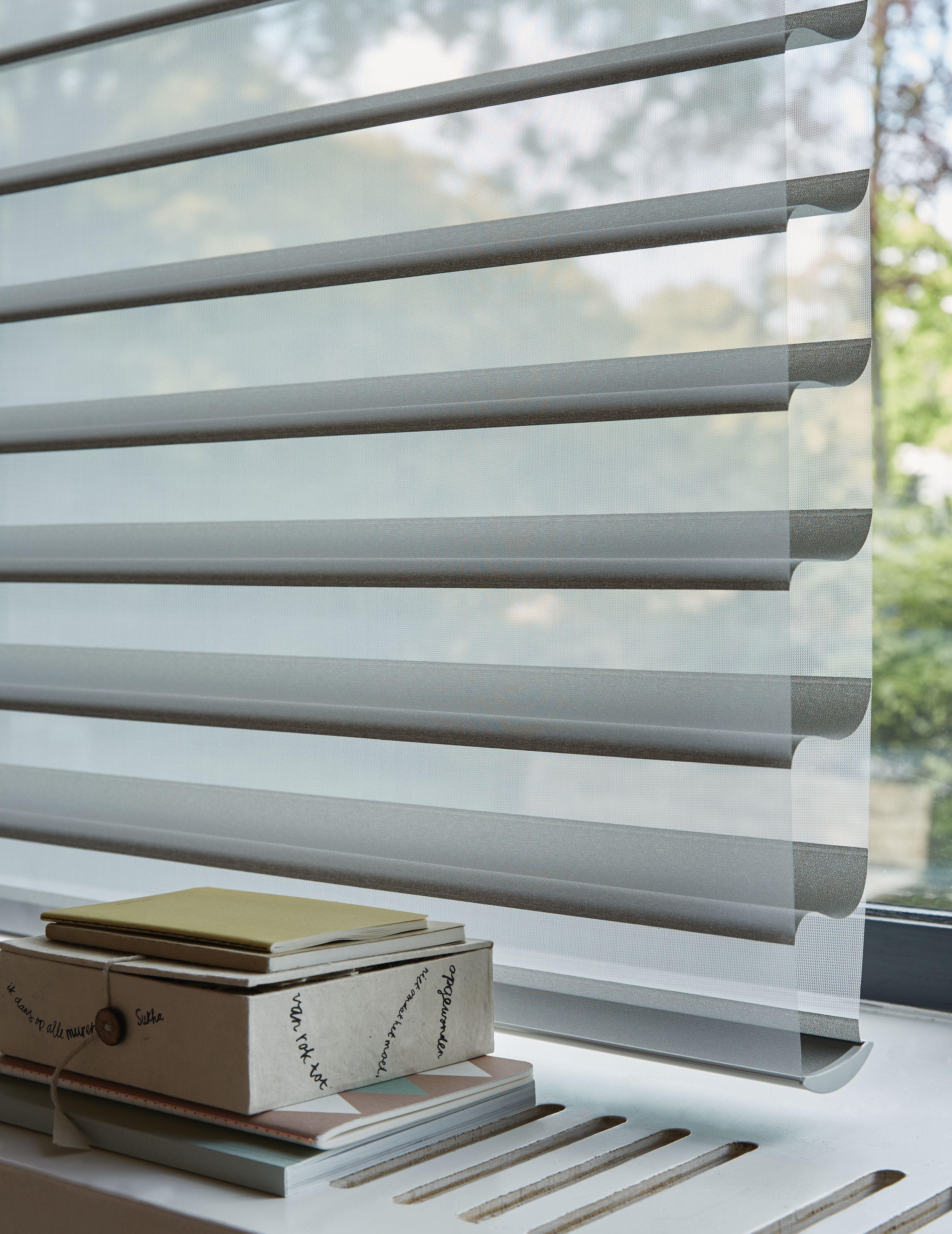 Voiles Venitiens Silhouette Luxaflex Une Lumiere Feutree Pour