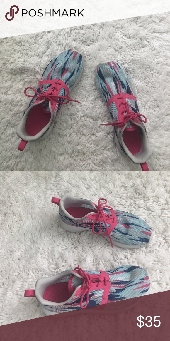 Shop Kids' Nike Blue Pink size Sneakers at a discounted price at Poshmark.