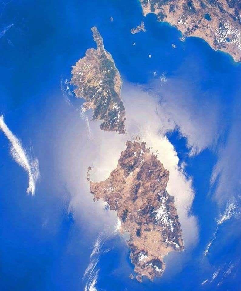 Cartina Sardegna Satellite.Un Altra Bellissima Immagine Della Sardegna E Della Corsica Catturata Dal Satellite Sardegna Italia Sardegna Corsica