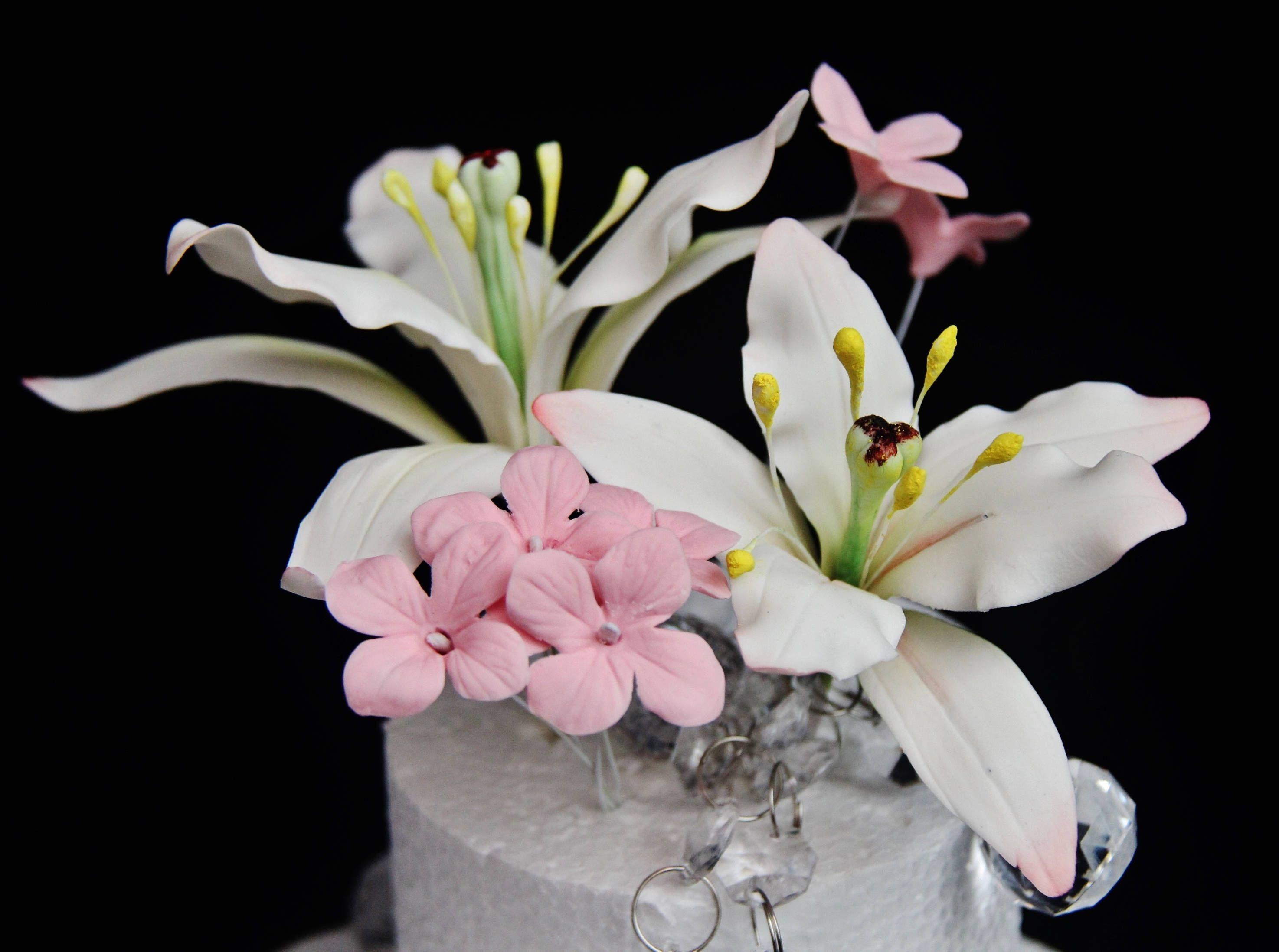 Large Gumpaste Lily Flower For Wedding Cake Decoration Filler