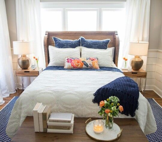 Fixer upper season 3 the chicken house headboard lamps for Joanna gaines bedroom designs