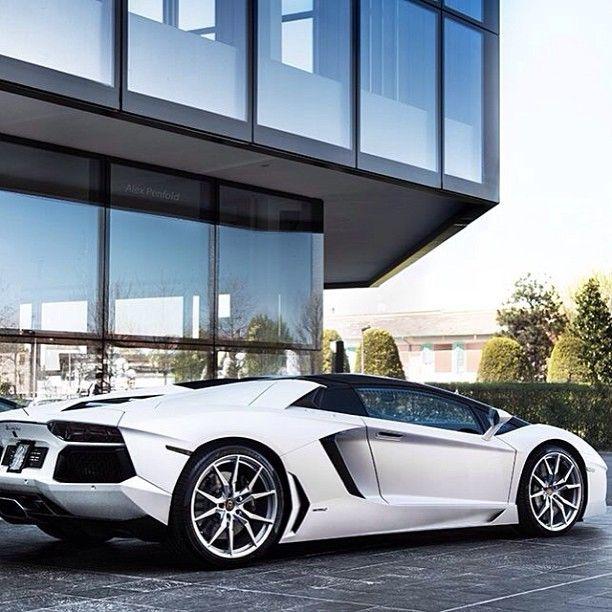 Lamborghini #Aventador Roadster