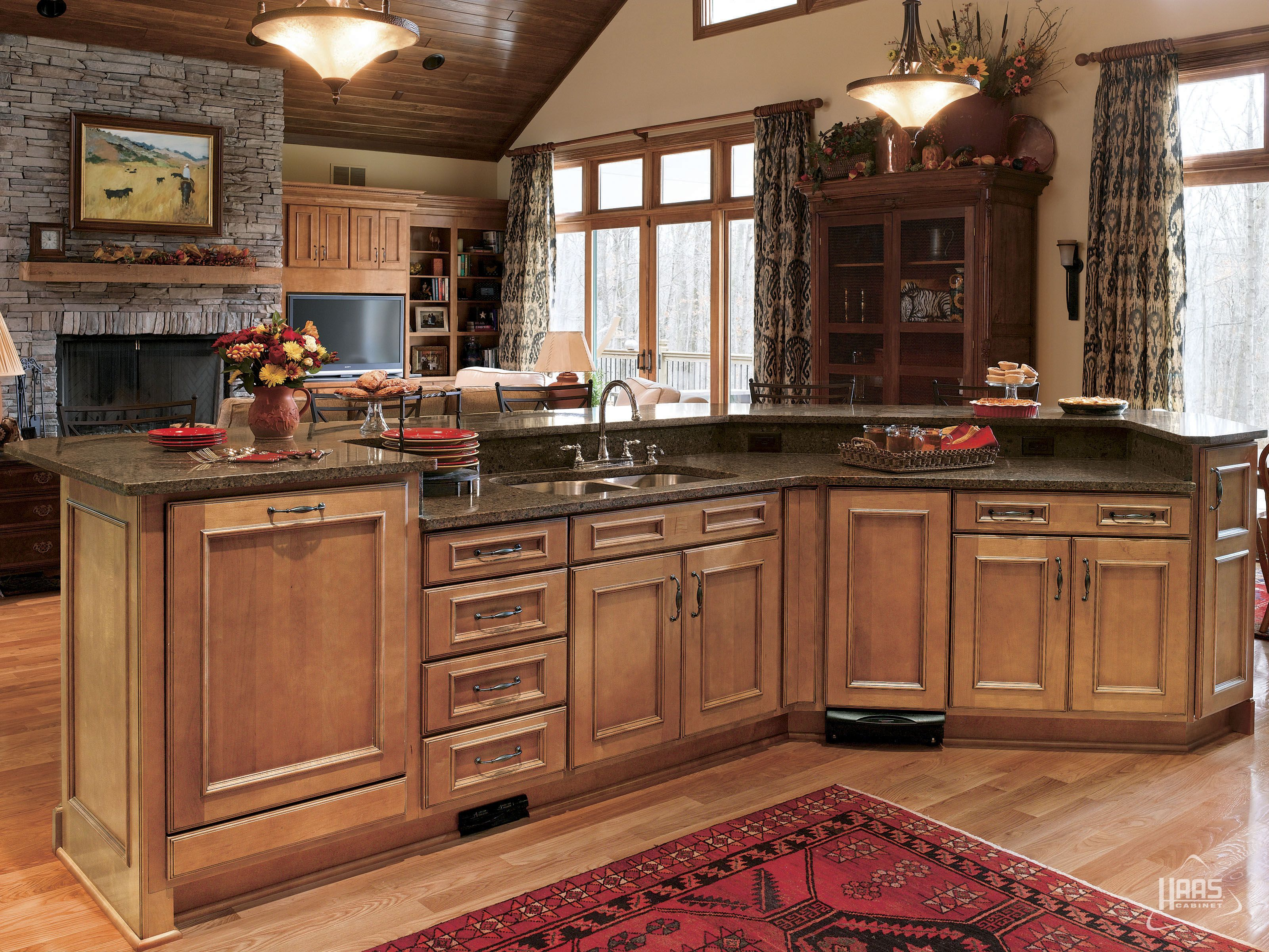 Door Style Hartford Wood Species Maple Finish Spice With Mocha Accents C Haas Cabinet Kitchen Remodel Glazed Kitchen Cabinets Cabinet