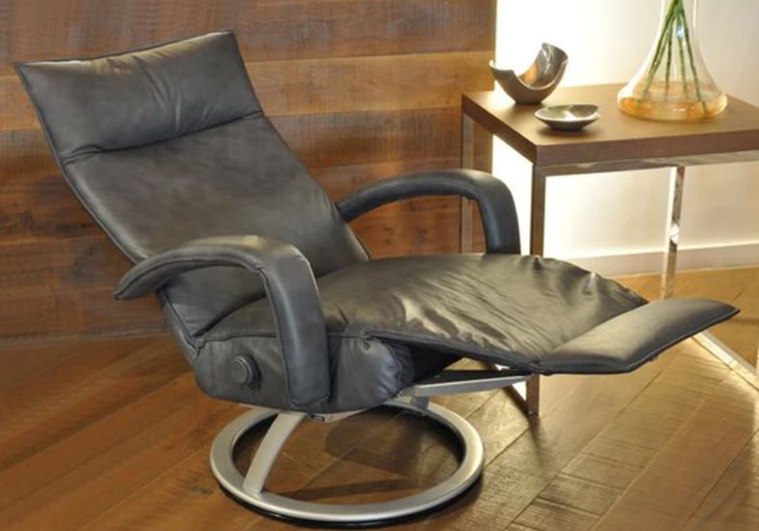 Leather recliner by Lafer - Check out other Lafer recliner ...