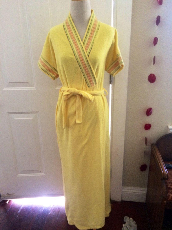e0bff956e2 Womens vintage 1970 s terry cloth boho maxi robe. Size Small Med ...