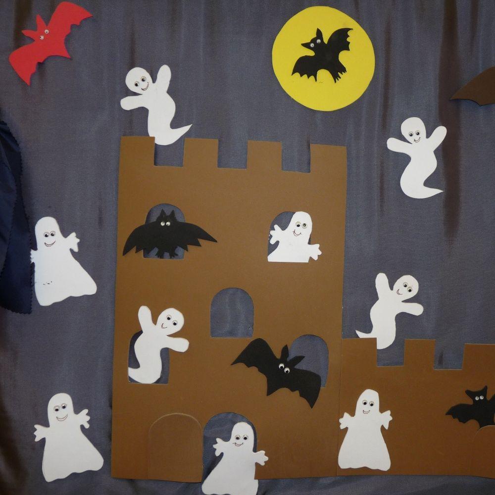 Gespenster Hexen Und Geister Als Gruselige Halloween Dekoration Basteln Grosse Sammlung An Bastelanlei Halloween Basteln Mit Kindern Basteln Halloween Geister