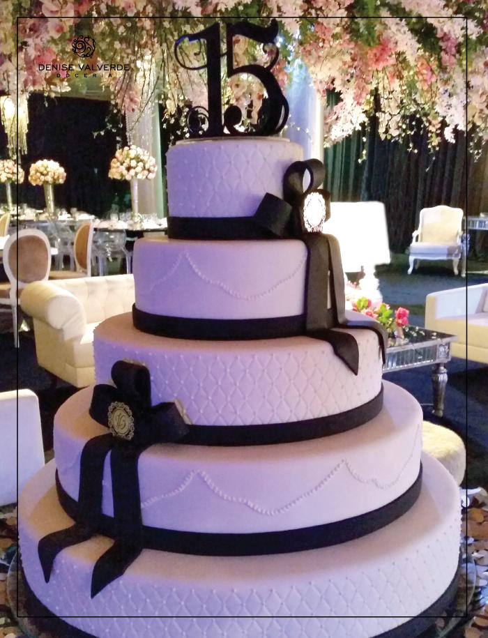 Um bolo mais lindo que o outro 3 esse bolo cenogrfico para um bolo mais lindo que o outro 3 esse bolo cenogrfico para aniversrio de 15 thecheapjerseys Choice Image