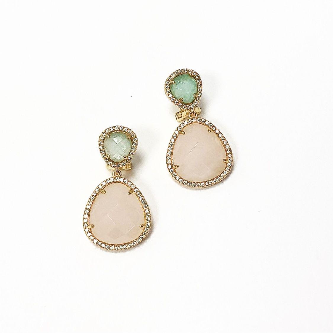 19af4023b82c Pendientes de Plata con baño de Oro de 18kts con piedras de color naturales cuarzo  verde