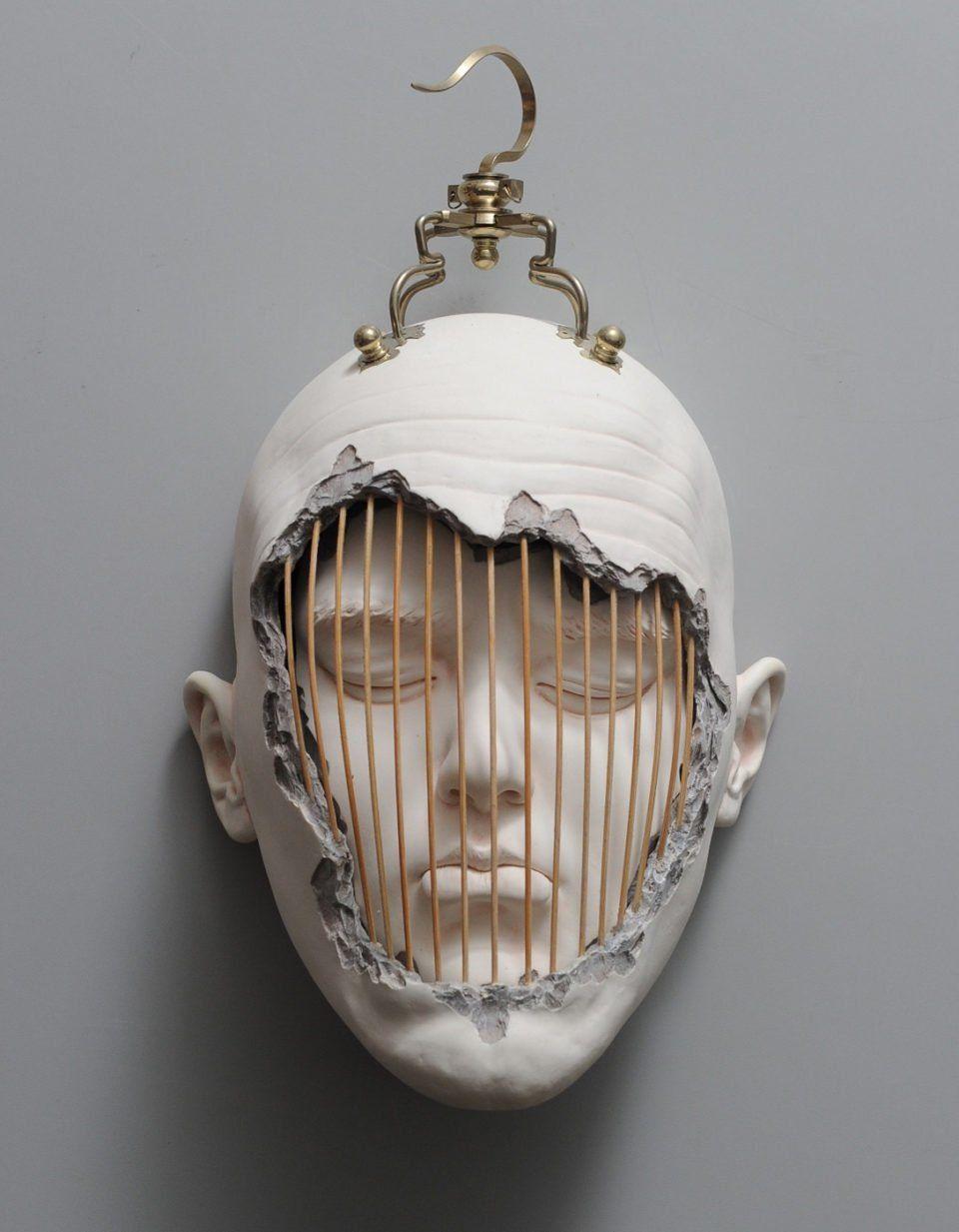 Los retorcidos retratos de arcilla de Johnson Tsang