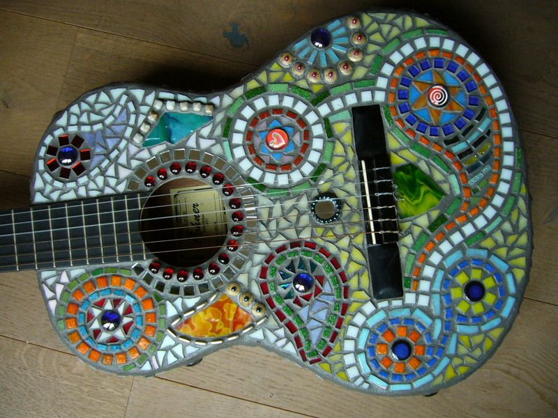 mosaik gitarre hippie von mosaikhandwerk auf. Black Bedroom Furniture Sets. Home Design Ideas
