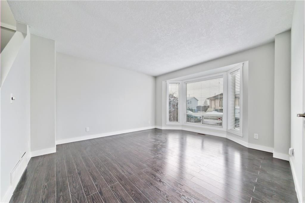 Beautiful Floors Throughout The Home Diamond Realty