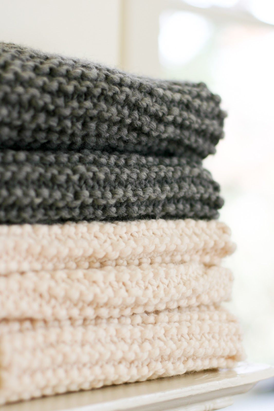 The Katy Cowl - An Easy Chunky Knit Pattern | Tejido