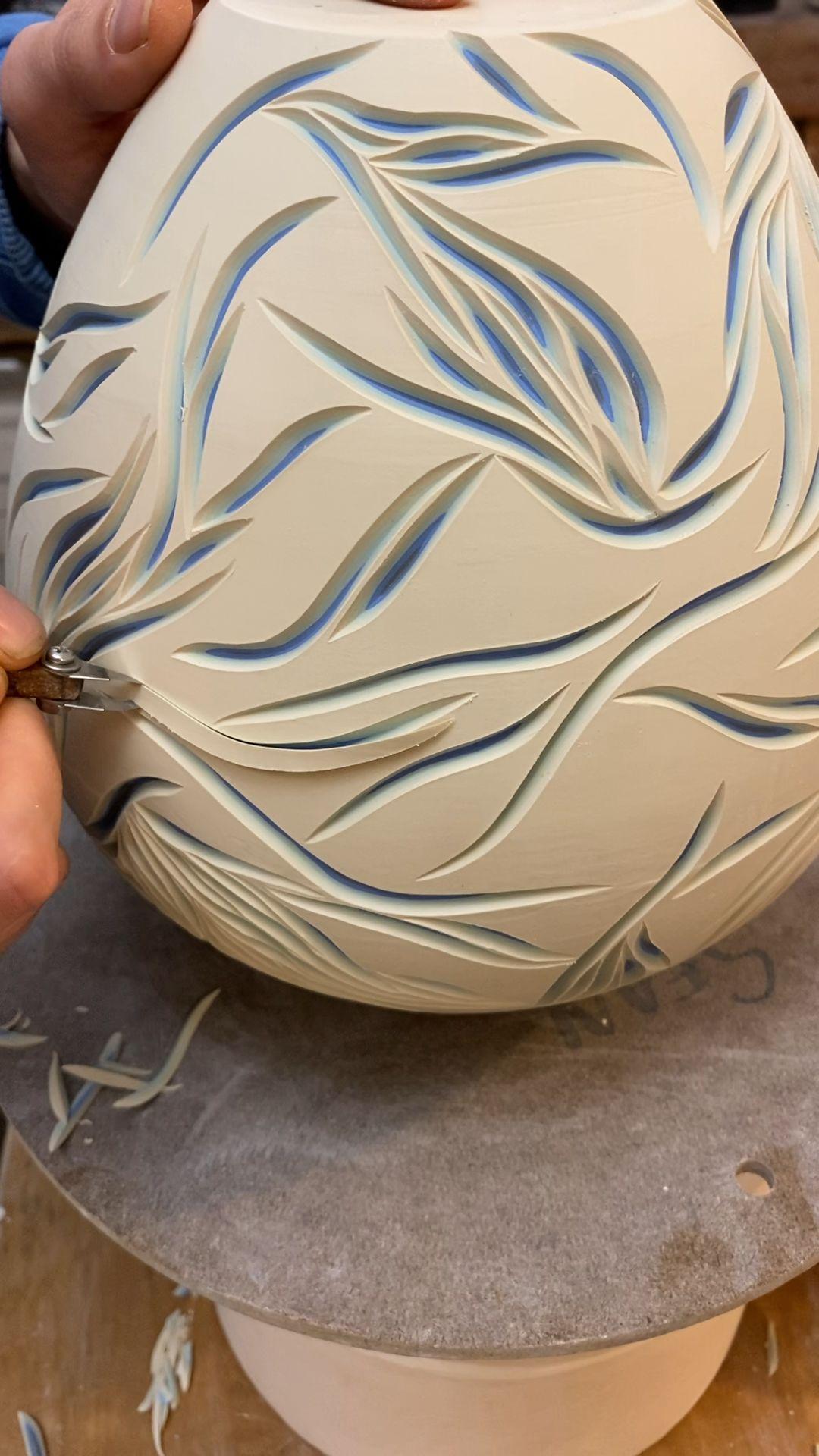 #porcelain #ceramics #interiordecor #flowervases #vase #handmade #asmr #satisfying