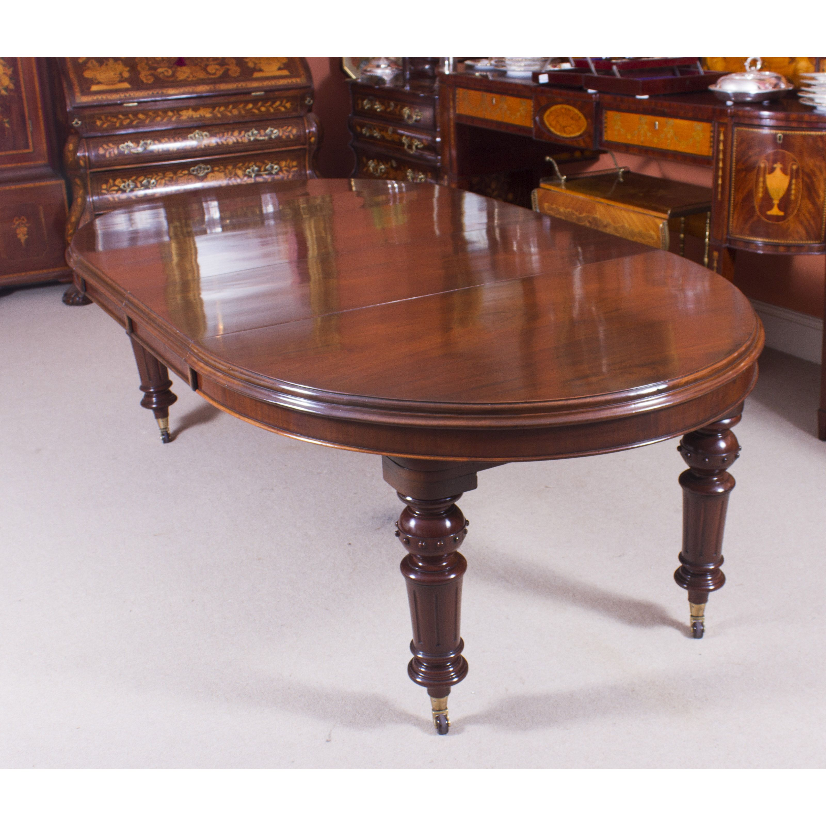 An Antique Victorian Oval Dining Table Made From Top Quality Solid Mahogany