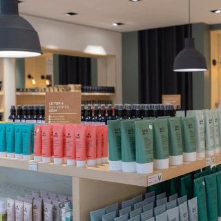 Ouvrir Une Boutique De Cosmetiques Produits De Beaute Boutique Cosmetique Cosmetique