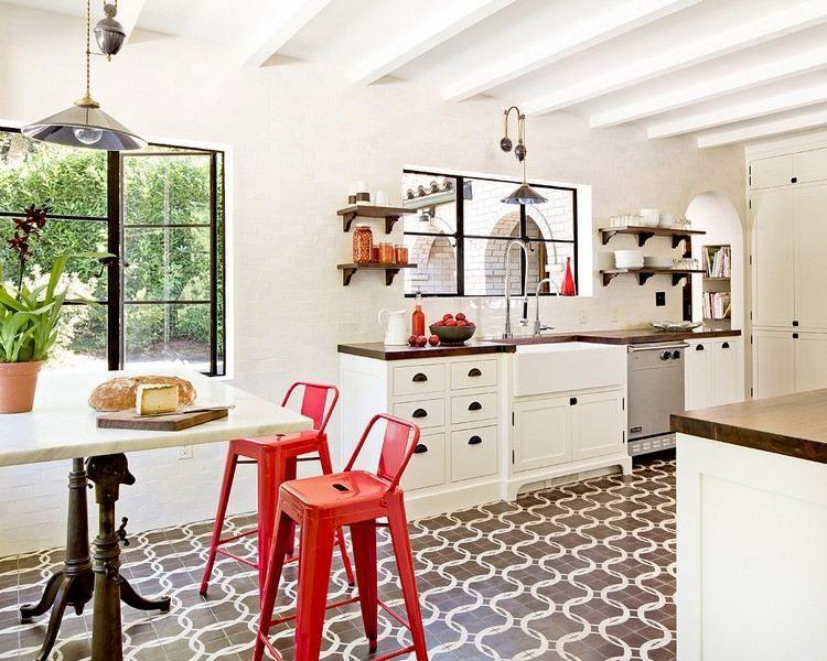 Rivestimento per cucina in bianco - piastrelle Metro | Spazio cucina ...