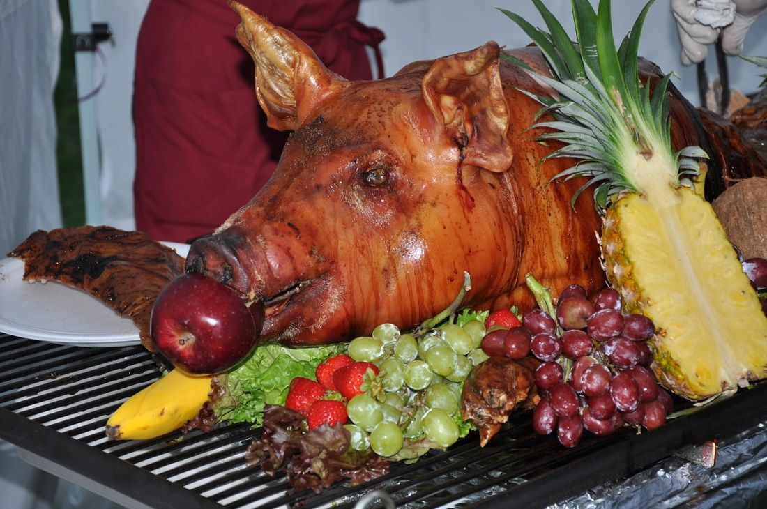 Penneys Pig Roasts 100 Lb Pig With Fruit Presentation For A