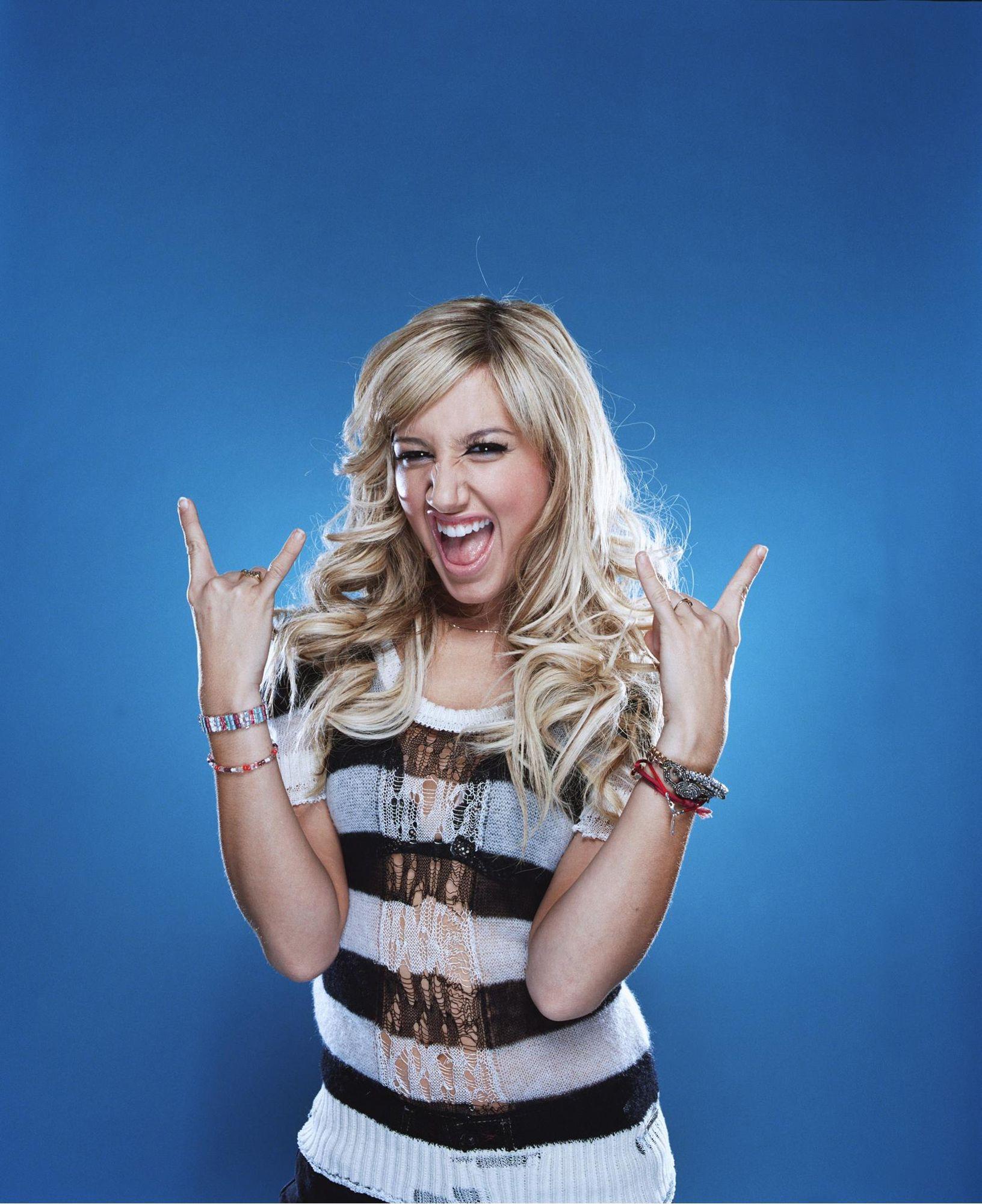 Ashley Tisdale - HQCelebrity.Org // HQ Celebrity Pictures